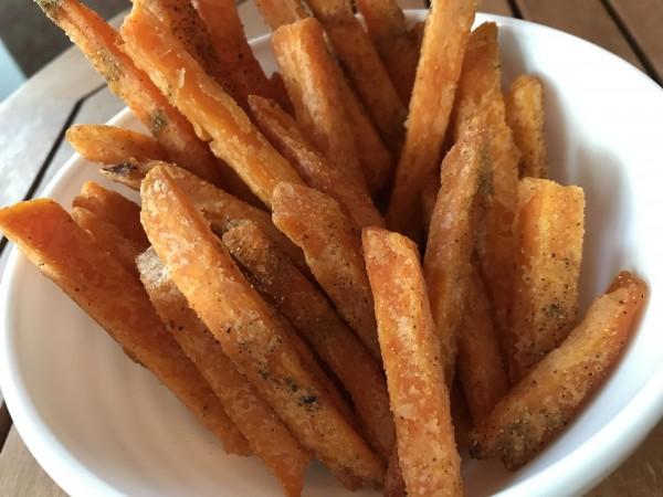 Süßkartoffel frites mit Zaatar